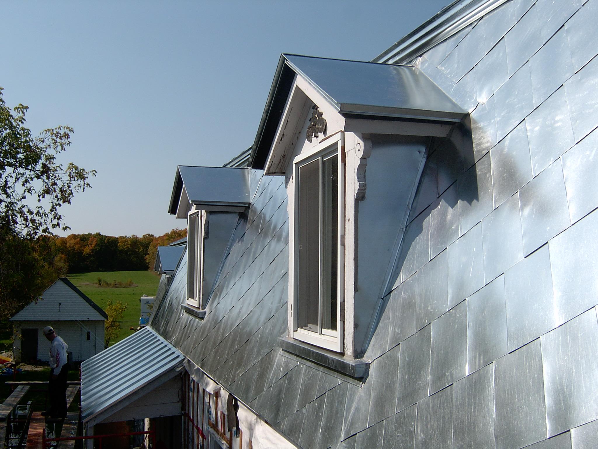 toits la canadienne les toitures tole bec. Black Bedroom Furniture Sets. Home Design Ideas